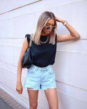 top,black t-shirt,mango,denim shorts,black bag