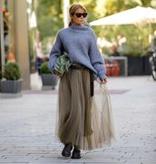 sweater,oversized sweater,maxi skirt,tulle skirt,boots,bag