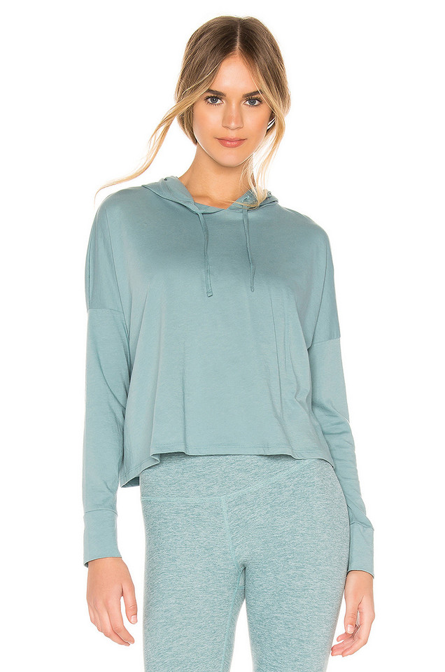 Beyond Yoga Beach Worn Cropped Pullover in blue