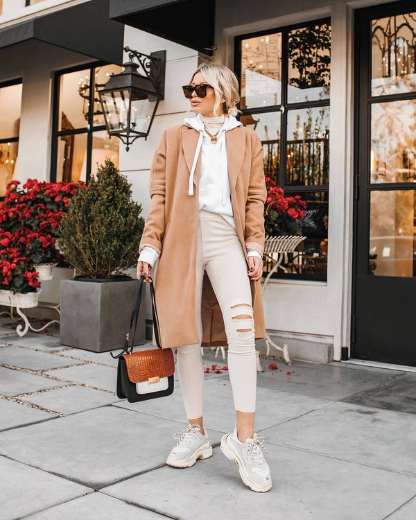 bag crossbody bag sneakers white jeans ripped jeans coat white hoodie white turtleneck top