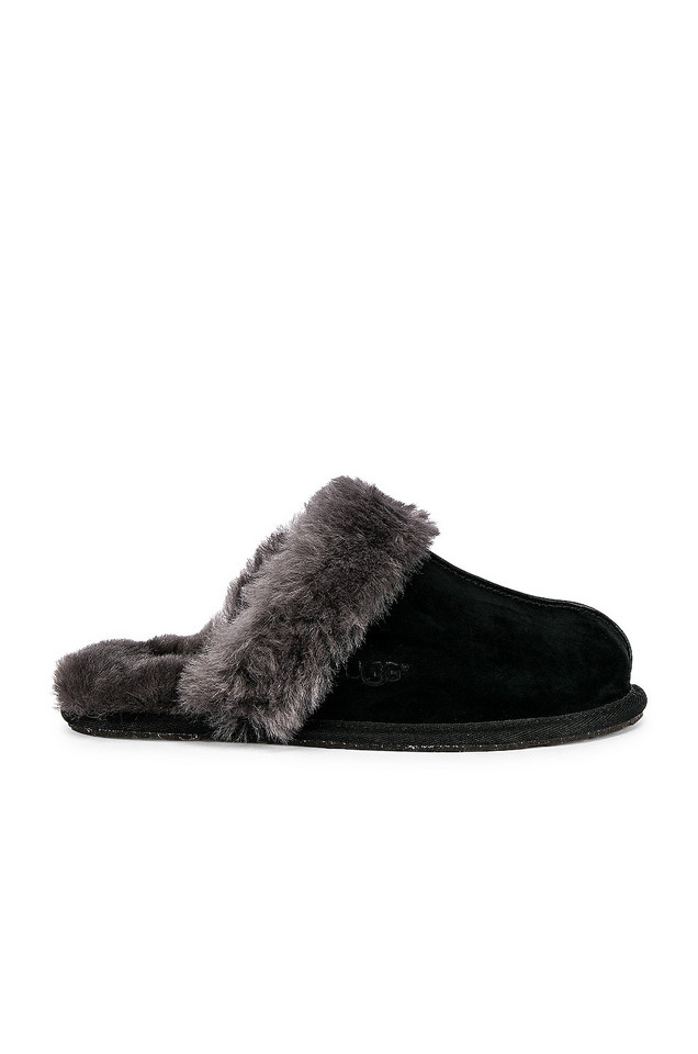UGG Scuffette Slipper in black