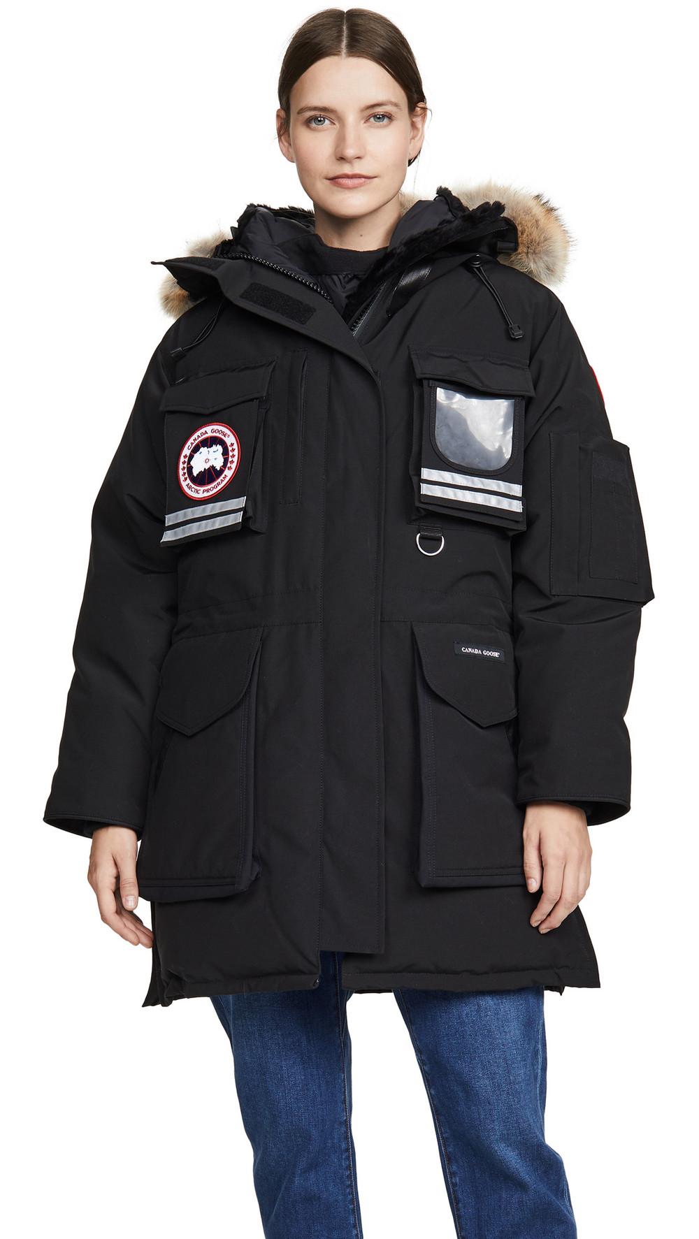 Canada Goose Snow Mantra Parka in black
