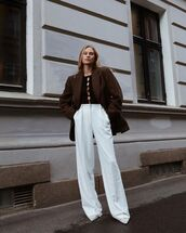 pants,white pants,wide-leg pants,pumps,blazer