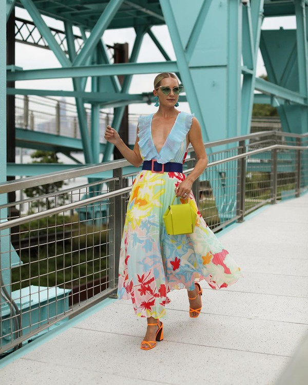 bag yellow bag maxi dress floral dress carolina herrera sandal heels
