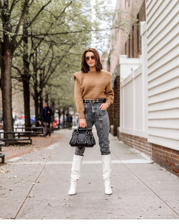 jeans grey jeans white boots knee high boots sweater black bag
