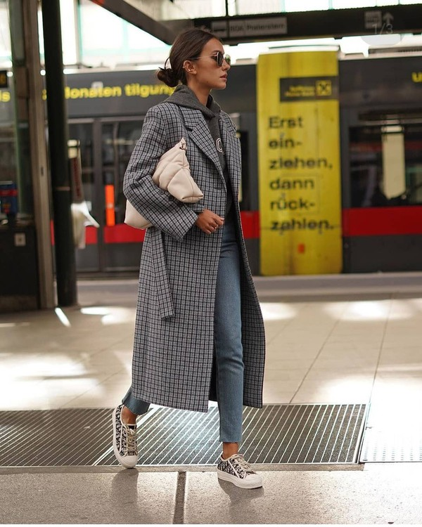 coat long coat plaid sneakers skinny jeans hoodie bag