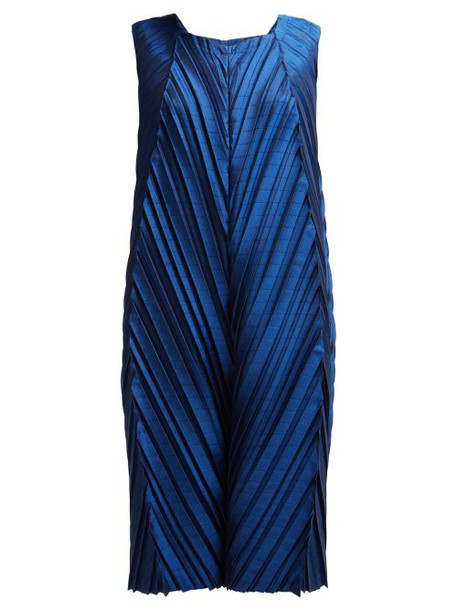 Issey Miyake - Petiole Pleated Cocoon Dress - Womens - Blue