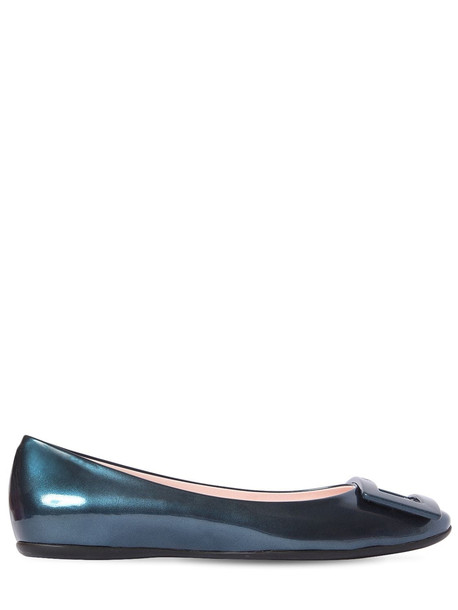ROGER VIVIER 10mm Gommette Pearled Leather Flats in petrol