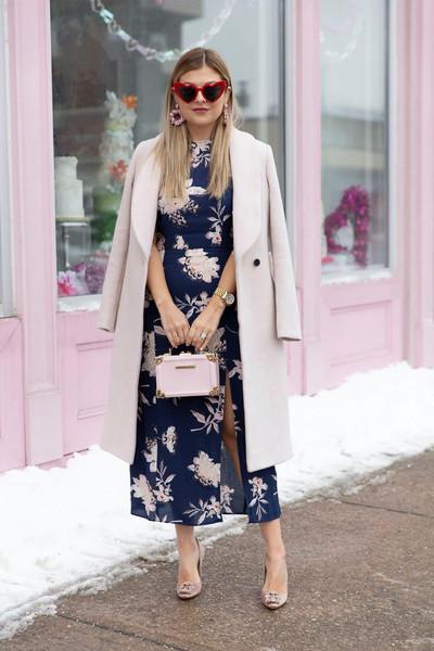 suburban faux-pas blogger bag shoes jewels pumps manolo blahnik blue dress winter outfits