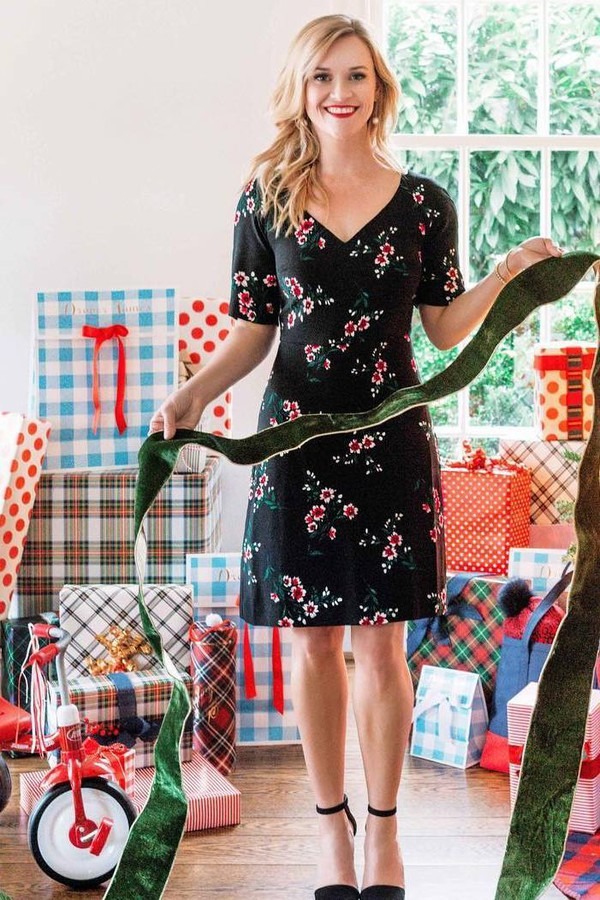 dress floral reese witherspoon celebrity christmas