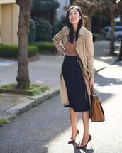 skirt,black skirt,slit skirt,midi skirt,high waisted skirt,pumps,maxi bag,trench coat,top