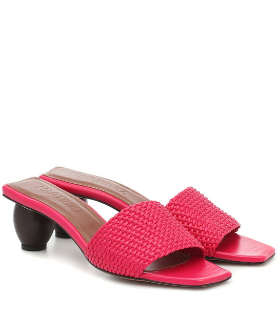 Souliers Martinez Exclusive to Mytheresa – Celia leather sandals in pink