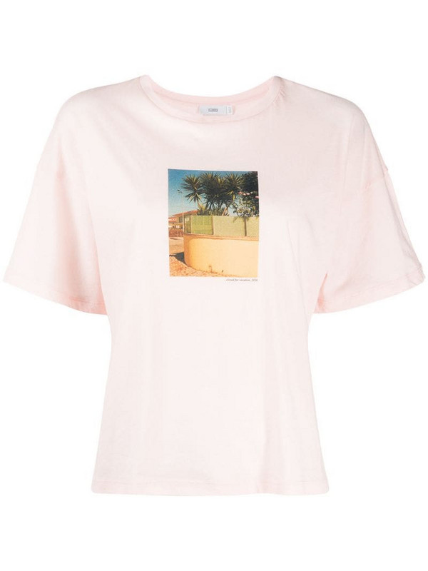 Closed for Vacation boxy T-shirt in pink