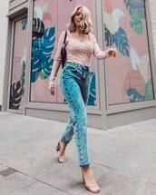 jeans,mom jeans,high waisted jeans,sandals,long sleeves,top,black bag