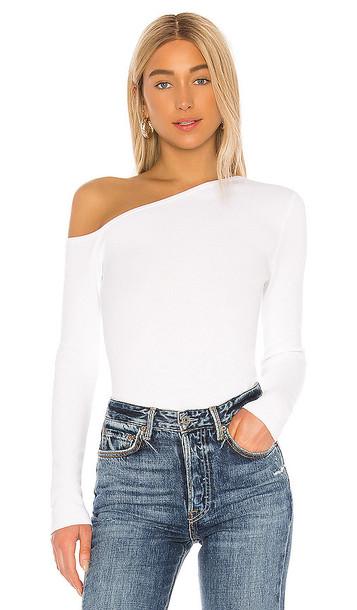 525 america Asymmetrical Pullover Top in White