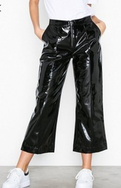 pants,black pants,vinyl,leather,black