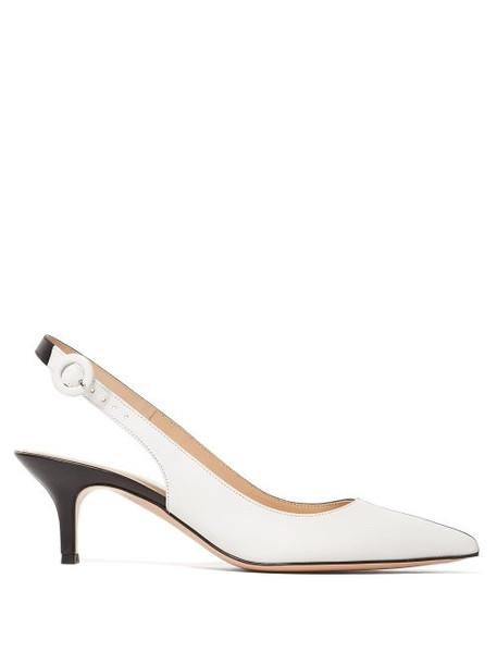 Gianvito Rossi - 55 Leather Kitten Heel Pumps - Womens - Black White