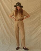 hat,pants,top
