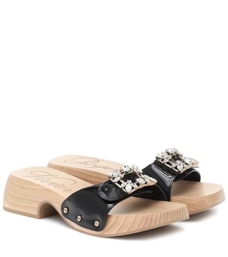 Roger Vivier Viv' Clogs patent leather sandals in black