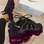shoes,nike vapormax,nike,purple,sneakers,nike shoes