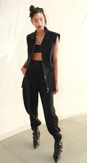 jacket,all black everything,pants,vest,top,willow smith,model off-duty,celebrity