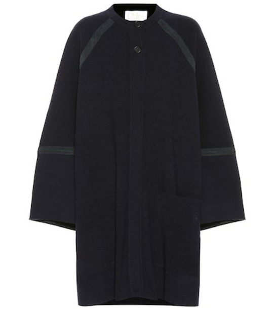 Chloé Oversized wool and cashmere coat in blue