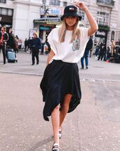 hat,bucket hat,tommy hilfiger,asymmetrical skirt,black skirt,white t-shirt