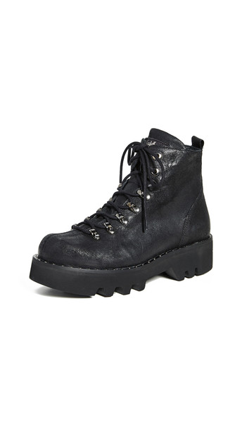 Montelliana Allison Boots in black