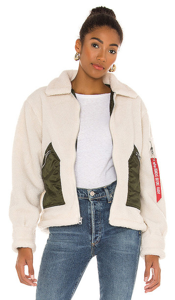 ALPHA INDUSTRIES Cropped Sherpa Utility Jacket in Cream