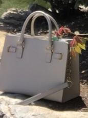 bag,white bag,satchel bag,handbag,leather bag,chain bag,michael kors,coach,mk purse,coach bag,crossbody bag
