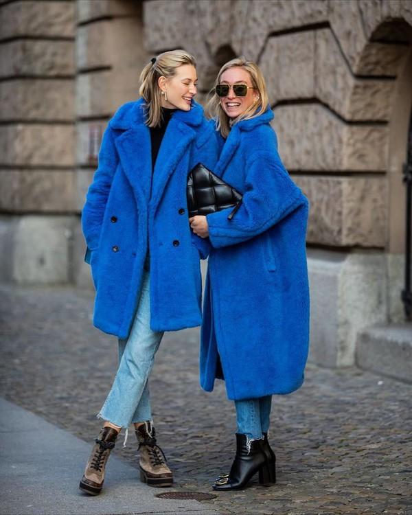 coat blue coat teddy bear coat max mara ankle boots black boots skinny jeans black bag