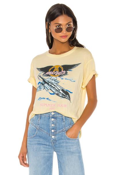 DAYDREAMER Aerosmith Summer Tour '85 Boyfriend Tee in yellow