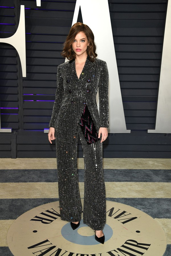 shoes barbara palvin celebrity oscars sparkle stripes suit blazer pants