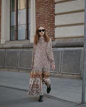 dress,maxi dress,long sleeve dress,black boots