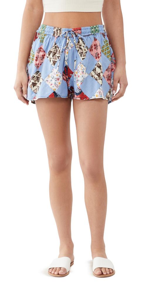 Warm Getaway Shorts in chambray / multi