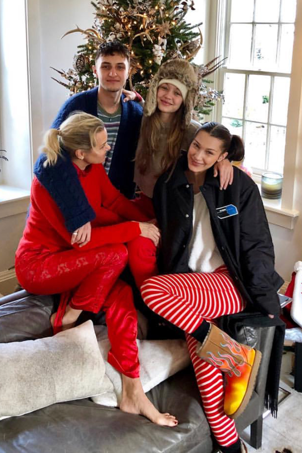 shoes ugg boots bella hadid gigi hadid hadid sisters celebrity model off-duty instagram christmas holiday season