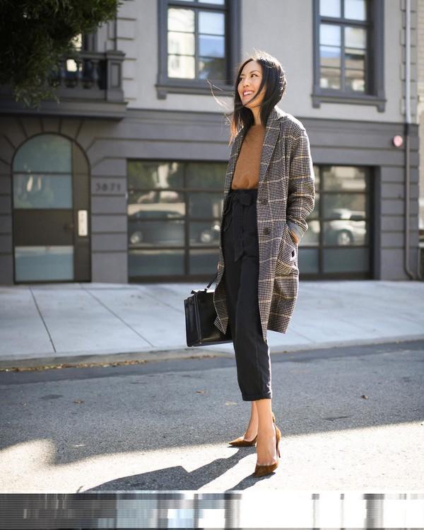 coat grey coat pumps black pants black bag sweater