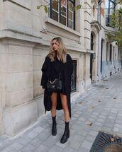shoes,black boots,black coat,black bag,black dress