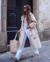 coat,top,white top,trench coat,pants,white pants,sneakers