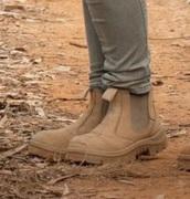 shoes,bindi irwin