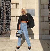 jeans,boyfriend jeans,pumps,black bag,black blazer,tank top