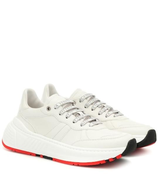 Bottega Veneta Leather sneakers in white