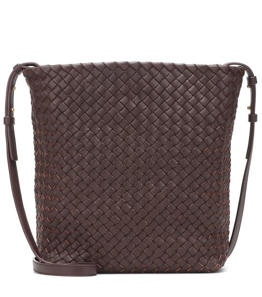 Bottega Veneta Cabat leather bucket bag in brown