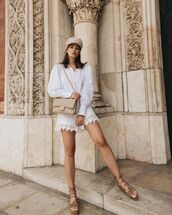 shorts,white shorts,lace shorts,platform sandals,white shirt,bag,beret