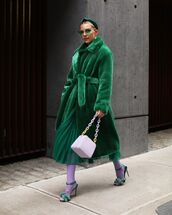 coat,faux fur coat,green coat,green skirt,pleated skirt,h&m,white bag,tights,sandals,headband