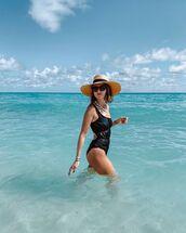 swimwear,black swimwear,one shoulder,hat