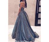 dress,prom dress,blue,shiny,sparkly dress,gorgeous,prom beauty