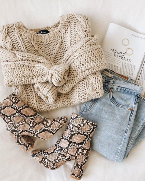 jeans sweater jewels shoes