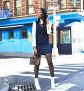 dress,denim dress,mini dress,white shirt,white boots,ankle boots,tights,leopard print,handbag