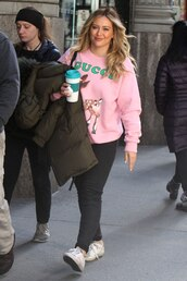 sweater,sweatshirt,hilary duff,celebrity,casual